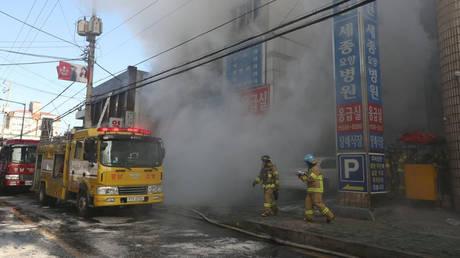 Νότια Κορέα: 31 νεκροί και δεκάδες τραυματίες από πυρκαγιά σε νοσοκομείο