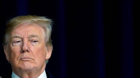 Ο Μιούλερ συζητά πιθανή κατάθεση του Τραμπ για τη ρωσική εμπλοκή στις προεδρικές εκλογές