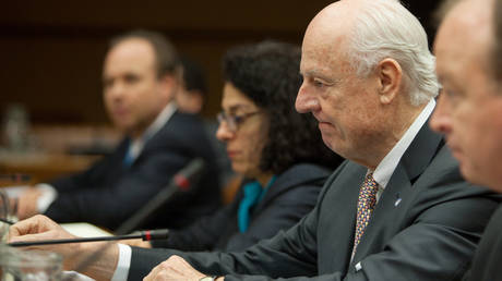 Ο Στάφαν ντε Μιστούρα θα συμμετάσχει στις συνομιλίες για τη Συρία που θα διεξαχθούν στο Σότσι
