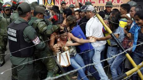 Περισσότεροι από μισό εκατομμύριο Βενεζουελάνοι έχουν καταφύγει στην Κολομβία