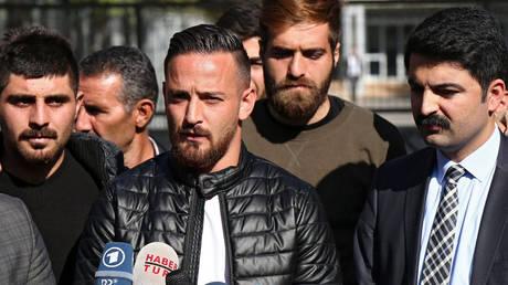 Ποδοσφαιριστής λέει ότι οι τουρκικές μυστικές υπηρεσίες προσπάθησαν να τον δολοφονήσουν