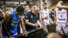 Σκουρτόπουλος: «Ο Γιάννης θέλει να παίζει στην Εθνική!»