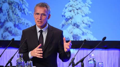Στόλτενμπεργκ: Ένταξη της πΓΔΜ στο ΝΑΤΟ μόνο μετά από λύση του ονοματολογικού
