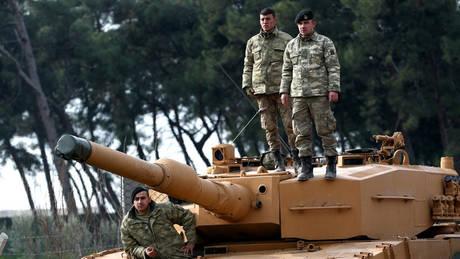 Συνεχίζονται για δεύτερη μέρα οι σφοδροί τουρκικοί βομβαρδισμοί στην Αφρίν (pics)