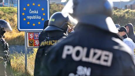 Τροχαίο στην Πράγα με τρεις νεκρούς και 30 τραυματίες (pic)