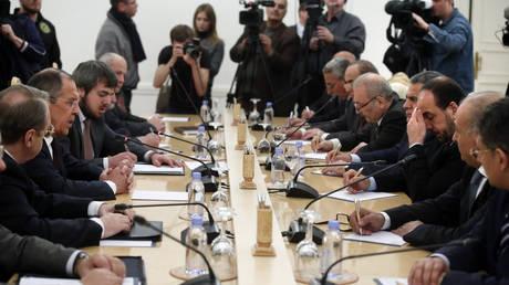 Χωρίς τους Κούρδους και τη συριακή αντιπολίτευση ξεκινούν οι συνομιλίες στο Σότσι