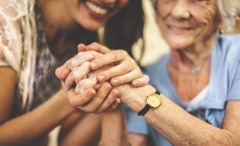 Το Σπίτι Φροντίδας & Γαλήνης των γερόντων – πνοή ζωής στα χρόνια. Γράφει ο Γιάννης Καπάτσος