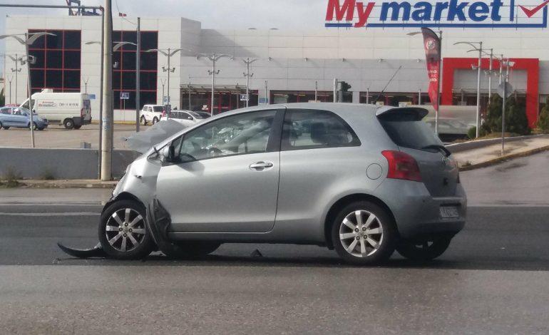 Ατύχημα νωρίτερα στη Λ. Κύμης. Κυριακή 14 Ιανουαρίου.