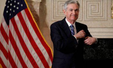 Και επίσημα στο τιμόνι της Fed o Τζερόμ Πάουελ (pics)