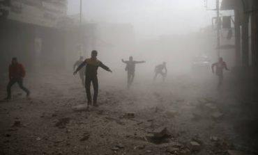 Συρία: Δεκάδες άμαχοι νεκροί σε αεροπορικές επιδρομές (pics&vid)