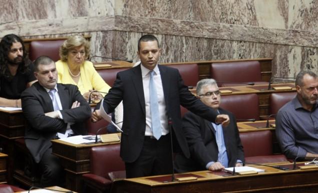 Τώρα και… εθνικιστής ο Μίκης κατά τον Ηλία Κασιδιάρη (pic)