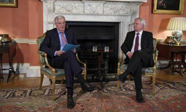 Brexit: Παρουσιάστηκε το σχέδιο του «διαζυγίου» ΕΕ - Βρετανίας