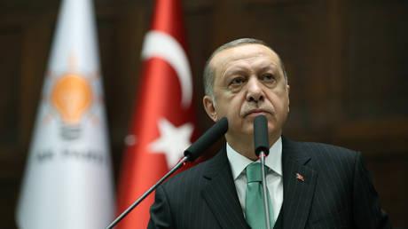 «Έι, ΝΑΤΟ, πού είσαι;»: Ξέσπασμα Ερντογάν με φόντο την επιχείρηση στην Αφρίν