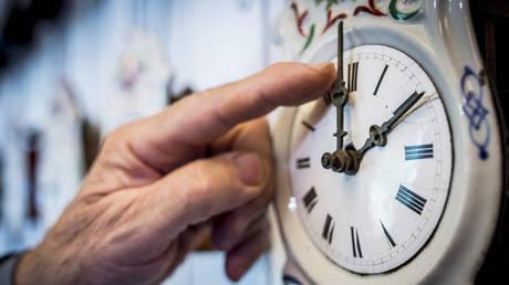 Η κόντρα Κοσόβου – Σερβίας «στοίχησε» στα ρολόγια μας έξι λεπτά