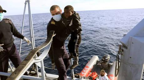 Ιταλία: Η συγκινητική ιστορία τριών εφήβων που διασώθηκαν στη Μεσόγειο