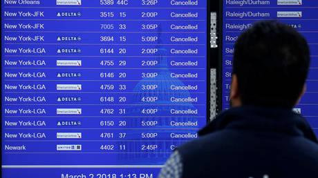 Καθηλωμένα τα αεροσκάφη στη Νέα Υόρκη λόγω χιονοθύελλας
