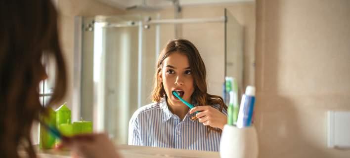 Τι πρέπει να κάνεις με την οδοντόβουρτσά σου αν ήσουν πρόσφατα άρρωστος