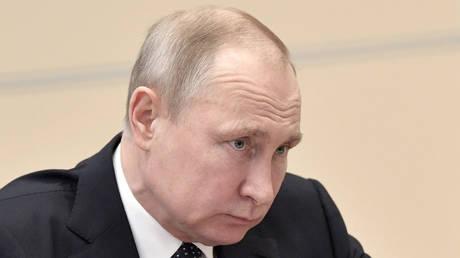 «Έπεσε» η δημοτικότητα του Πούτιν