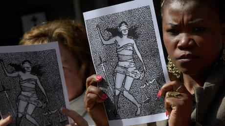 Γιγαντώνονται οι διαμαρτυρίες για την αθώωση της «Αγέλης των Λύκων» στην Ισπανία