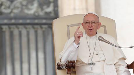 Ο Πάπας Φραγκίσκος καλεί τους ηγέτες να ανανεώσουν τις προσπάθειές τους για ειρήνη στη Συρία
