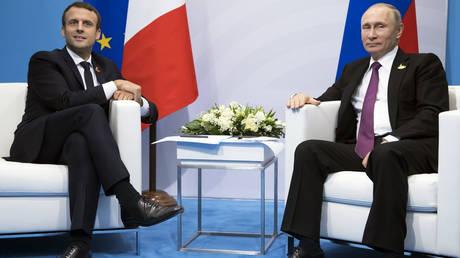 Πούτιν και Μακρόν υπέρ της τήρησης της συμφωνίας για το πυρηνικό πρόγραμμα του Ιράν
