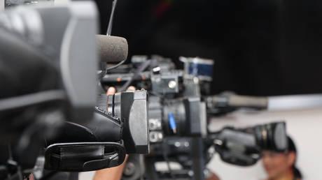 Πρώην υπουργός στην Ιταλία χαστούκισε δημοσιογράφο (vid)