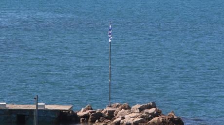 Πρώτα ειδοποιήσαμε την Αθήνα και μετά κατεβάσαμε τη σημαία, λέει η Άγκυρα