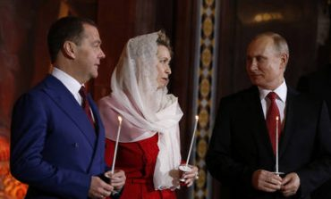 Στη Μόσχα έκανε Ανάσταση ο Βλαντιμίρ Πούτιν (pics)