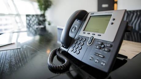 Τηλεφωνήτρια στα επείγοντα έκλεινε το τηλέφωνο επειδή… δεν είχε όρεξη να μιλήσει