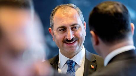 Τούρκος υπουργός Δικαιοσύνης: Τόπος συγκέντρωσης εγκληματιών η Ελλάδα