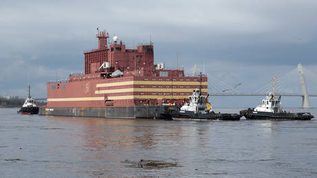 H Ρωσία εγκαινιάζει τον πρώτο πλωτό πυρηνικό σταθμό στην Αρκτική (pics&vid)