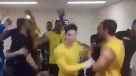 O τρομερός χορός των παικτών της ΑΕΚ! (vid)