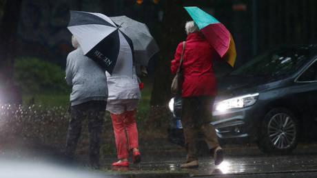 Σφοδρή κακοκαιρία στη Γερμανία με καταιγίδες, χαλάζι και ανεμοστρόβιλους (vids)