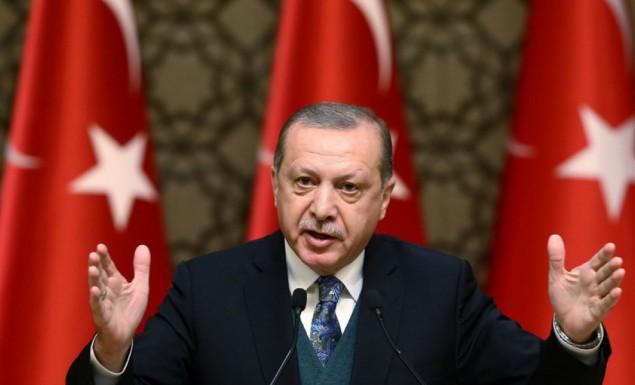 Το «αγκάθι» της αυτοδυναμίας και τα «δωράκια» του Ερντογάν για την εκλογή του