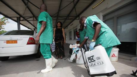 Kονγκό: Εστάλησαν τα πρώτα 4.000 πειραματικά εμβόλια κατά του ιού Έμπολα