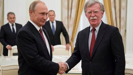«Κλείδωσε» η συνάντηση Πούτιν-Τραμπ