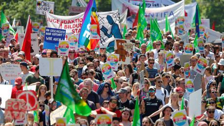 «Φρούριο» το Άουγκσμπουργκ για το συνέδριο του ακροδεξιού AfD