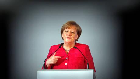 Έκτακτη Σύνοδο Κορυφής για το προσφυγικό θέλει η Μέρκελ