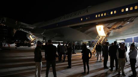 Από την Ελλάδα πέρασε ο Τραμπ – Στην Κρήτη τα ξημερώματα το Air Force One (pics)