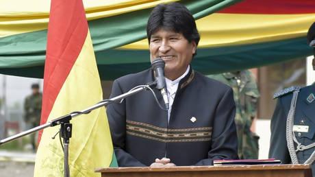 Βολιβία: Ο Μοράλες προκαλεί με το νέο του προεδρικό μέγαρο (pic)
