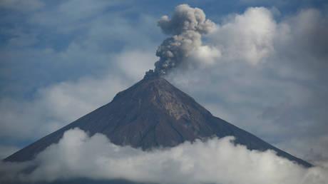 Γουατεμάλα: Εντάθηκε η δραστηριότητα σε τρία ενεργά ηφαίστεια (pics)