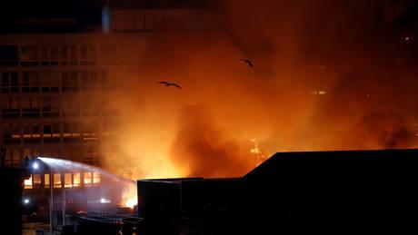 Ζημιές στο αρχιτεκτονικό «διαμάντι» της Γλασκώβης προκάλεσε φωτιά (pics)