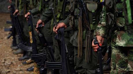 Κολομβία: Δεκατρείς αποστάτες των FARC σκοτώθηκαν σε βομβαρδισμό στα σύνορα με τη Βενεζουέλα