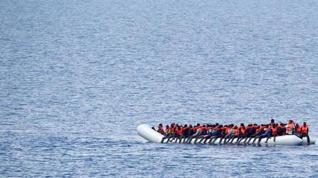 Λιβύη: Εντοπιστηκαν πέντε πτώματα μεταναστών – Η ακτοφυλακή διέσωσε άλλους 193
