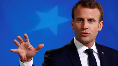 Μακρόν: Η Γαλλία δεν θα ιδρύσει μεταναστευτικά κέντρα κλειστού τύπου στο έδαφός της