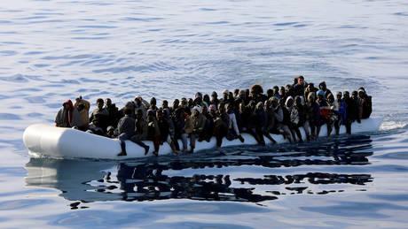 Νέα τραγωδία με πρόσφυγες στη Μεσόγειο: 100 άνθρωποι πνίγηκαν ανοιχτά της Λιβύης