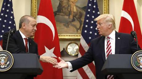 Ο Τραμπ συνεχάρη τον Ερντογάν για τη νίκη του στις εκλογές