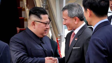 Στη Σιγκαπούρη ο Κιμ Γιονγκ Ουν για την ιστορική σύνοδο με τον Τραμπ