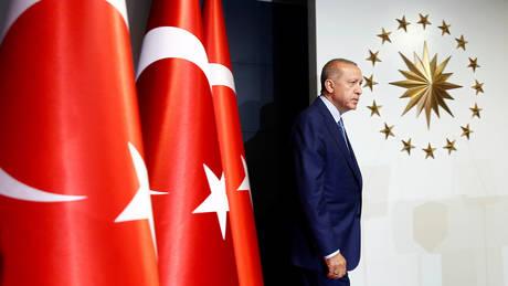 Συνελήφθη πρώην βουλευτής που αποκάλυψε το σκάνδαλο διαφθοράς με «πρωταγωνιστή» τον Ερντογάν