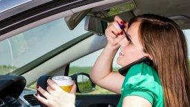 Τα 8 λάθη, που αποσπούν την προσοχή μας στο τιμόνι
